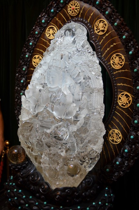 Crystal Buddha in the lobby of the hotel in Henan Province
