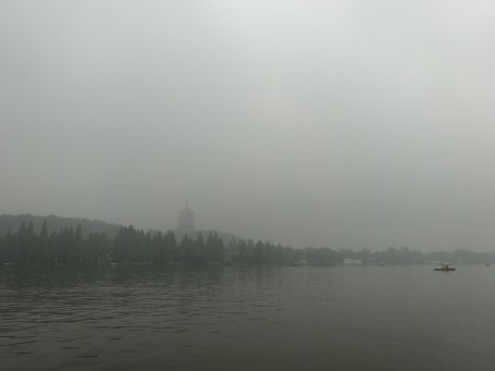 The scenery at West Lake in Hangzhou on a grey day.