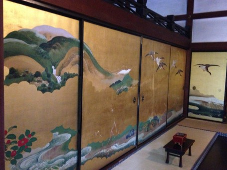 Beautiful wall paintings in Shunkoin Temple.