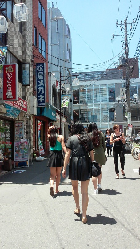 Walking up the street of Shimokitazawa