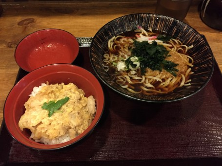 Lunch with Tiffany - hot soba noodles (buckwheat noodles) and a chicken and egg rice bowl.
