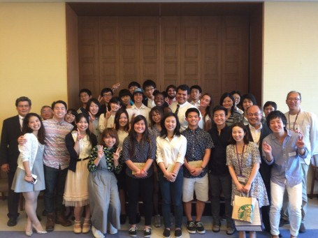 The USC-Meiji students and instructors at the last goodbye dinner/farewell party.