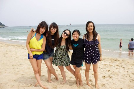 Some of the GEA Korea ladies and a fellow Ewha student enjoying the beach
