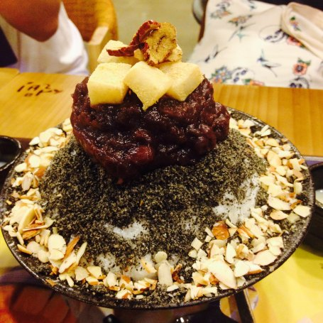 After a long time, we had a great time together with Ewha students sharing desserts and our stories. This is shaved ice with sesame, red beans, mocha and nuts.